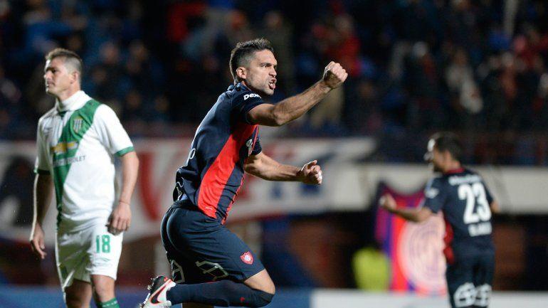 San Lorenzo festejó la clasificación en la Sudamericana gracias a una goleada en el primer tiempo y cinco minutos finales de un buen arquero.