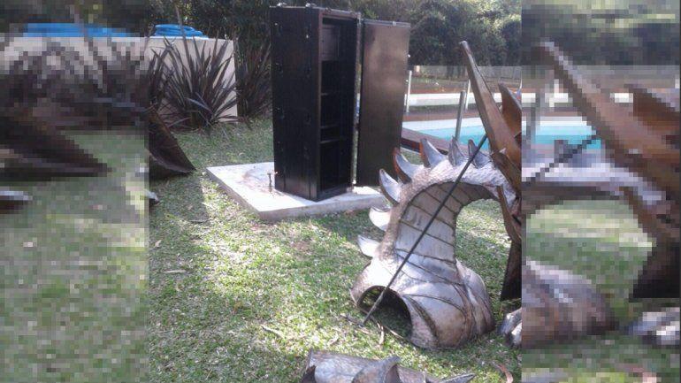 Ex funcionario de Scioli escondía una caja fuerte en un dragón