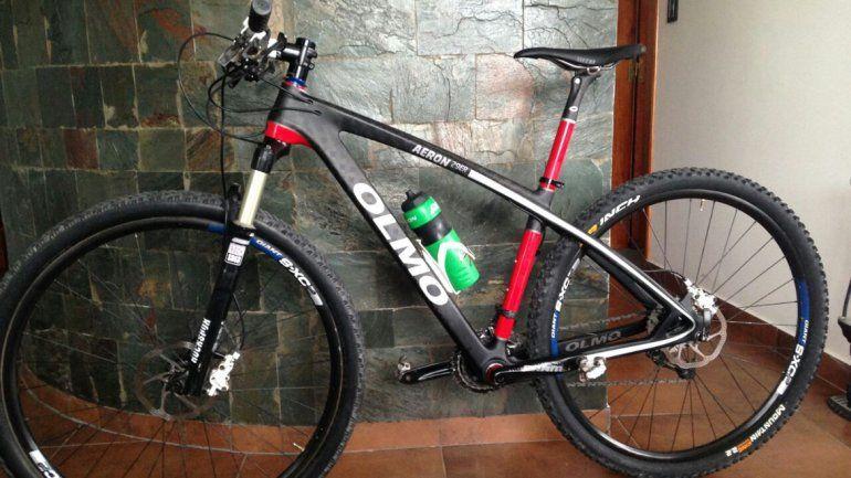 La bicicleta de carbono fue una de las cosas que robaron de la vivienda.