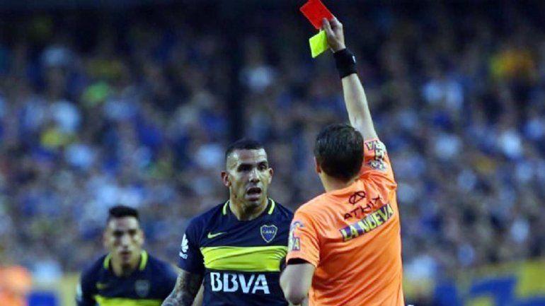 Tevez fue suspendido por tres fechas por insultar a Delfino