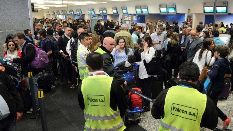 Hay malestar entre los pasajeros varados.