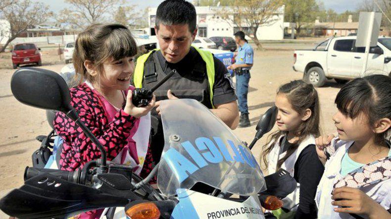Jornada de integración entre la Policía y alumnos de Rincón de los Sauces