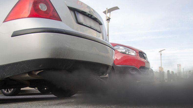 Siempre se relacionó a los gases de la combustión con el daño pulmonar en las personas. Se descubrió que también afecta al cerebro.