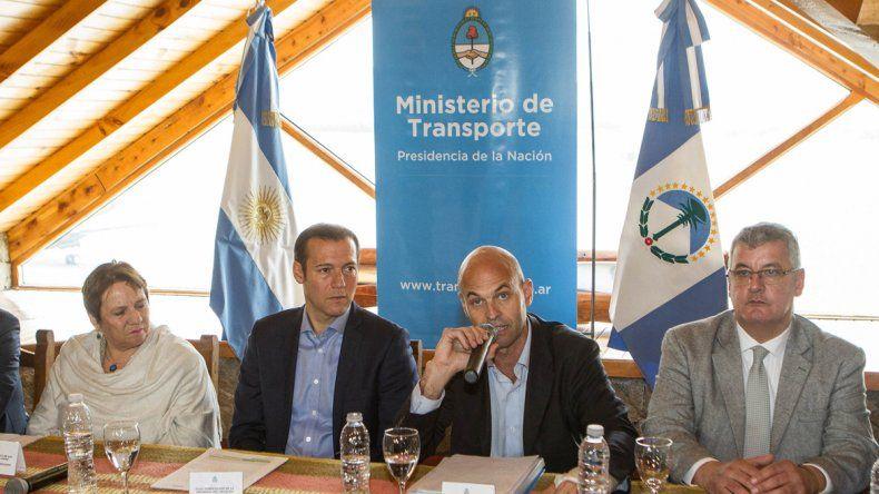 El ministro Dietrich junto al gobernador realizaron los anuncios.
