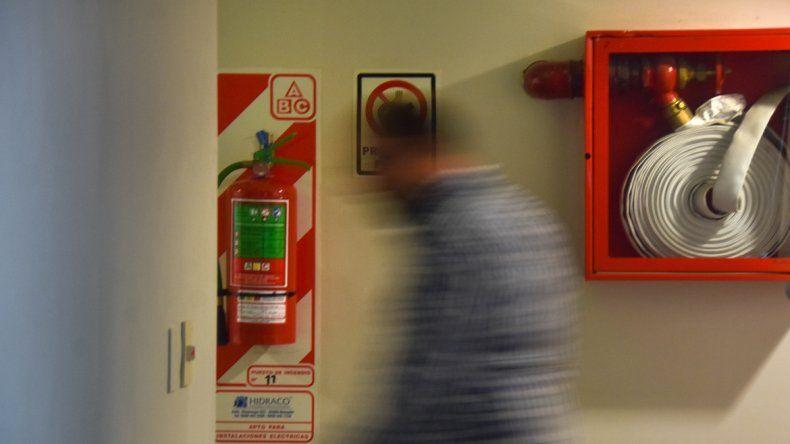 Extintores con la carga vencida y ascensores sin el mantenimiento adecuado fueron las principales irregularidades detectadas en las inspecciones.