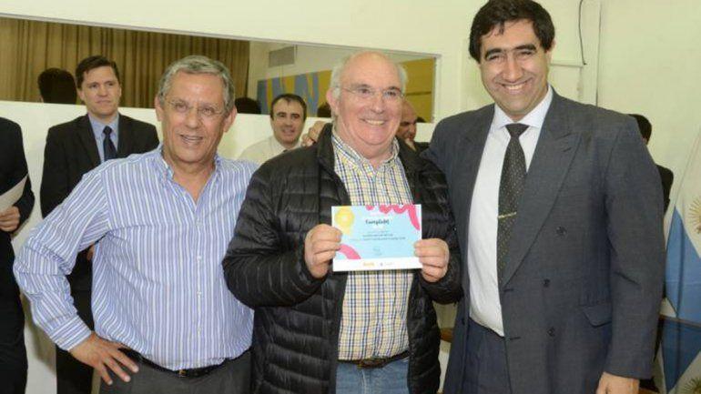 El intendente Quiroga premió a vecinos cumplidores.