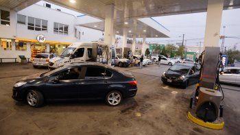 El precio de la nafta para mediados de 2017 sería de un dólar por litro.