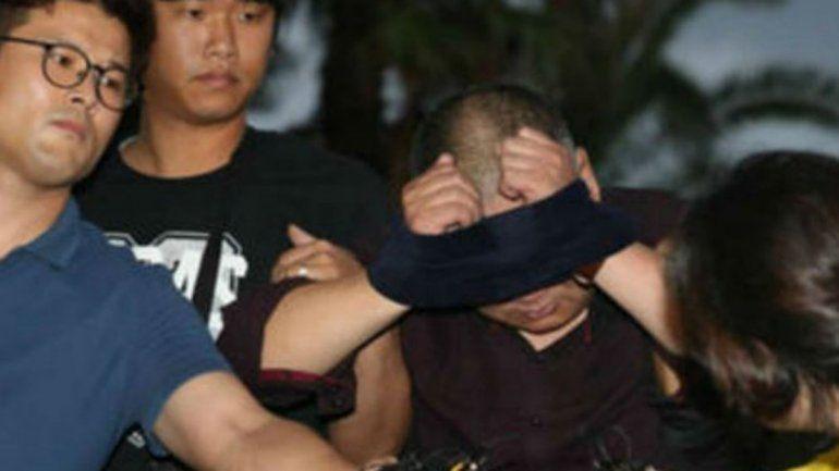 Un hombre fue a confesarse y mató a una mujer porque le recordaba a su ex