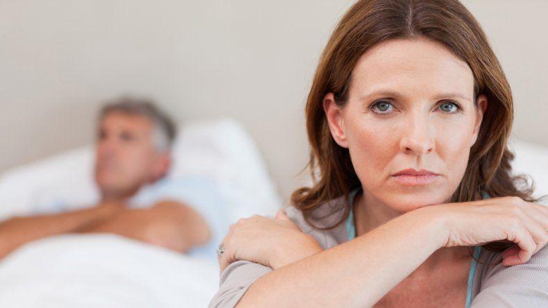 ¿Las mujeres pierden antes el deseo sexual que ellos?