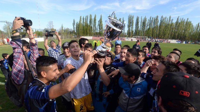 Rincón goleó 3 a 0 a Maronese y se consagró bicampeón de Lifune