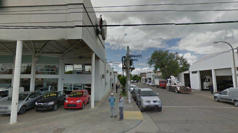 Barrio Belgrano: un amigo le dio tres puñaladas en medio de una borrachera