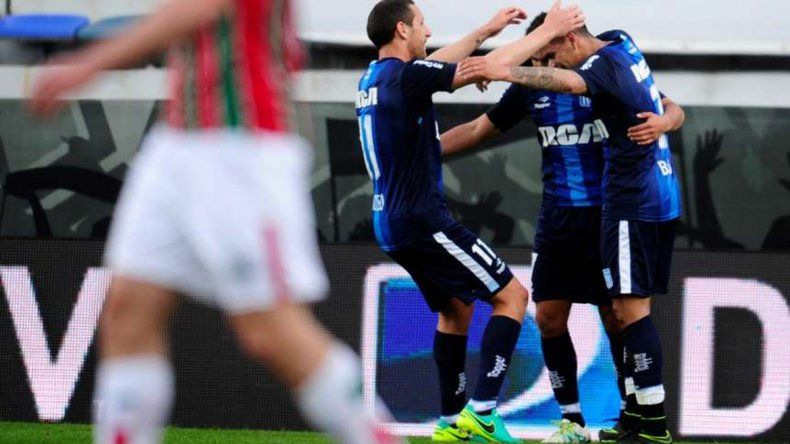 El zapalino Acuña hizo dos en la goleada de Racing a Vélez