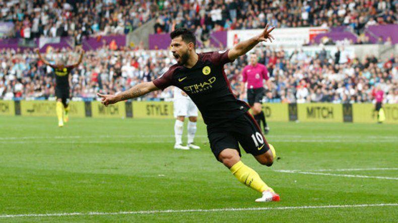 Agüero metió dos y no para en el Manchester City