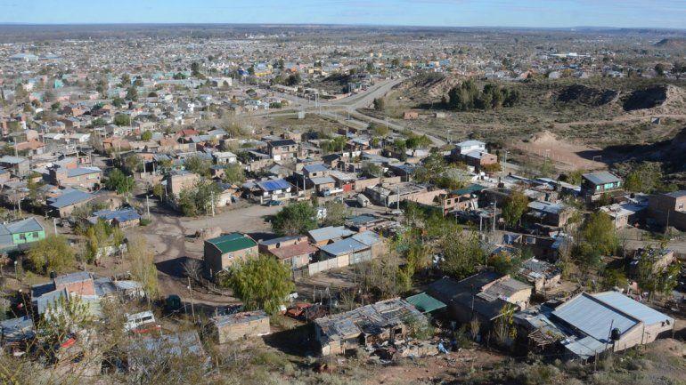 La dificultad para acceder a una vivienda llevó a miles de familias a apropiarse de terrenos. Lentamente comienzan a regularizarlos.