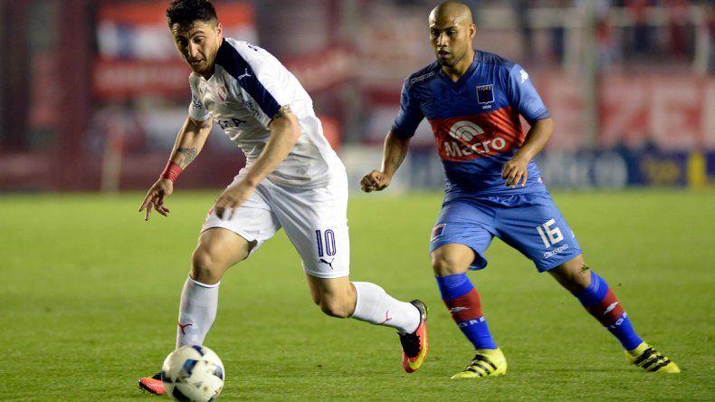 Cebolla Rodríguez encabeza un intento de Independiente.