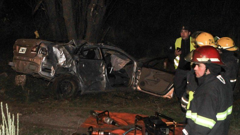 Murieron los dos ocupantes del auto que volcó esta madrugada sobre la Ruta 40