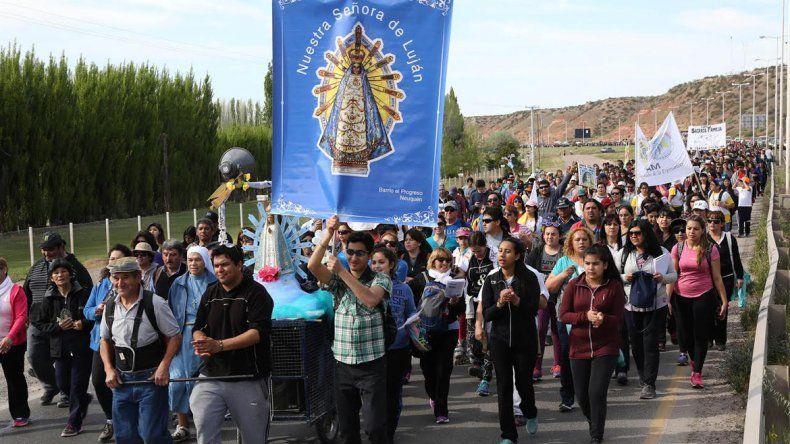 Miles de vecinos renovaron sus votos  por la Virgen de Luján