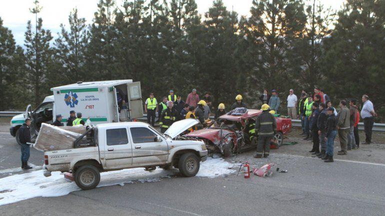 Tres heridos en un choque frontal en la Ruta 40