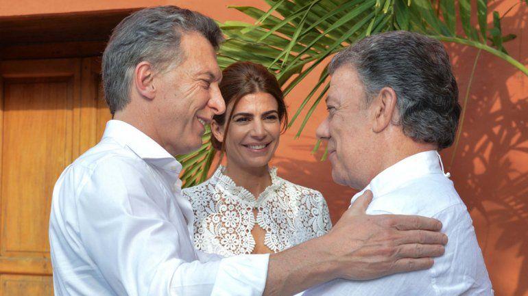 El presidente argentino saluda a su par colombiano