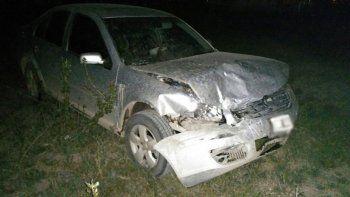 El VW Bora del juez quedó con el frente destruido. Los airbags se activaron como consecuencia del impacto.