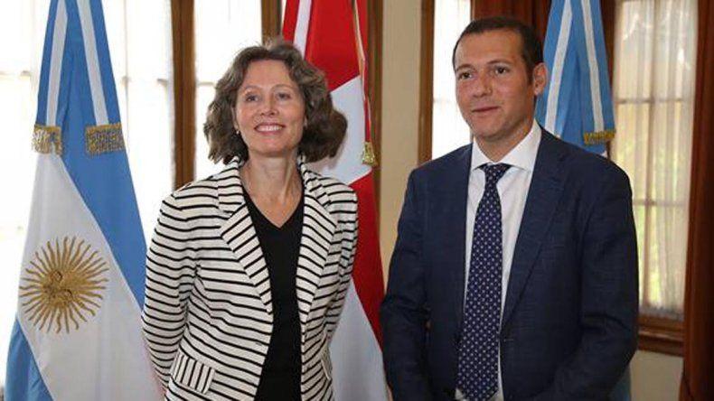 El gobernador recibió a la embajadora de Dinamarca