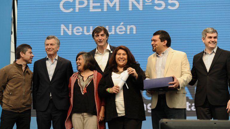El presidente Mauricio Macri entregó los premios a los docentes del CPEM N° 55 (foto) distinguidos por sus innovaciones educativas.