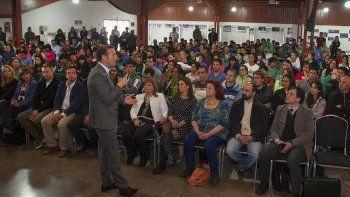 El gobernador Omar Gutiérrez, ayer, en un acto en el Espacio Duam.