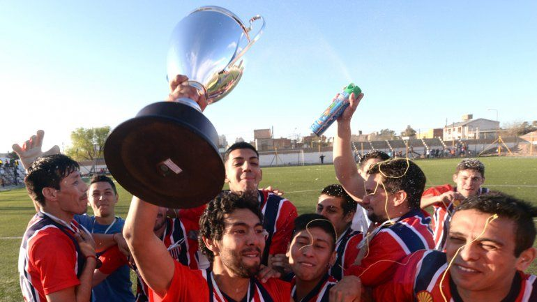 Neymar festeja oro olímpico y Chile