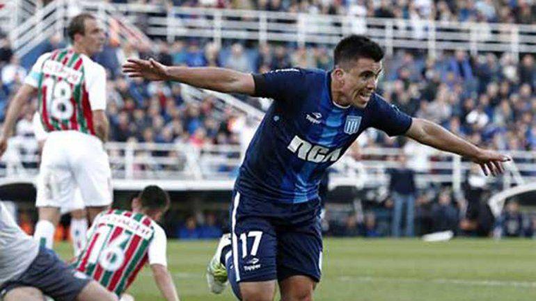 El neuquino Acuña viene de romperla con Vélez y suena en la Selección.