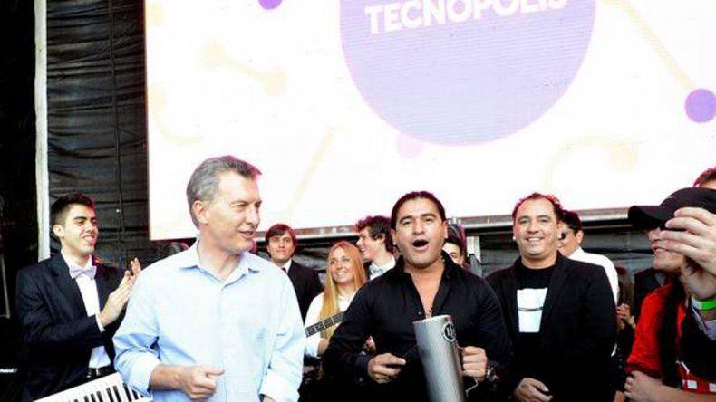 Macri sigue tirando pasos: cantó y bailó cumbia en Tecnópolis