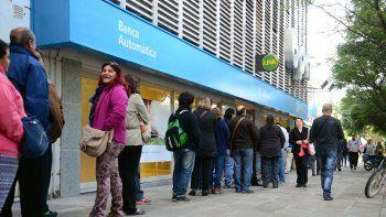 el martes comienza el pago de sueldos a los estatales