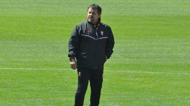 El DT ya entrenó al plantel y debuta mañana ante Atlético Tucumán.