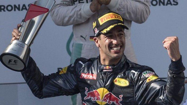 Ricciardo ganó en Malasia y Rosberg se afianzó como líder del campeonato