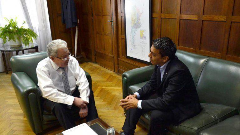 Jesús Escobar conel secretario de Recursos Hidrocarburíferos de Nación
