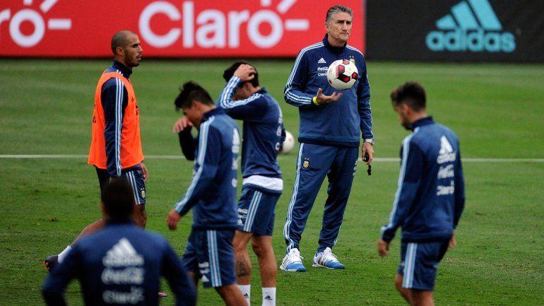 Bauza confirmó a Dybala y Kranevitter como titulares ante Perú