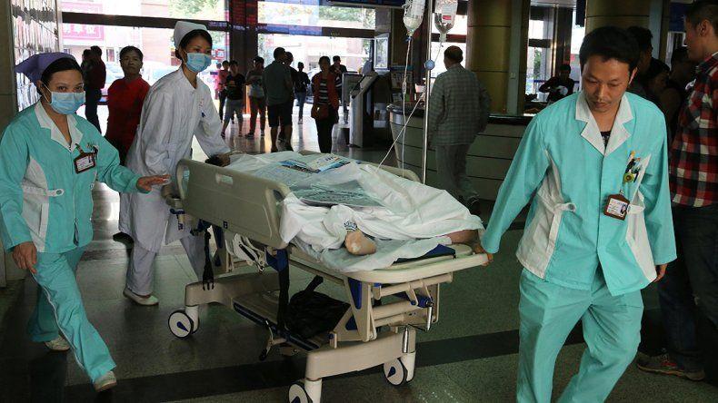 Un joven de 29 años fue víctima de un insólito error de los médicos: lo confundieron con otro paciente que tenía el mismo nombre y lo operaron.