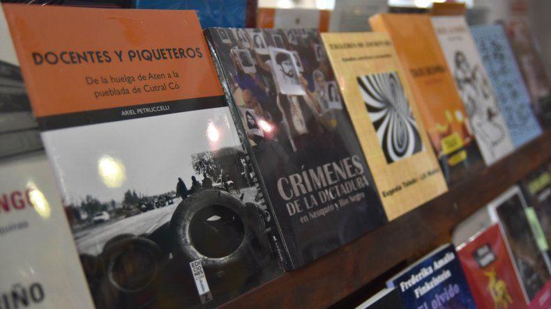 La mayoría de los escritores locales pagan para publicar sus libros.