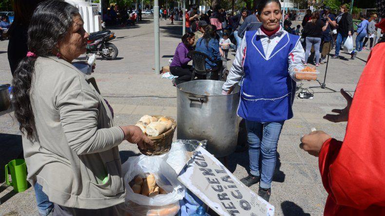 La olla se instaló en pleno centro de la ciudad de Neuquén.