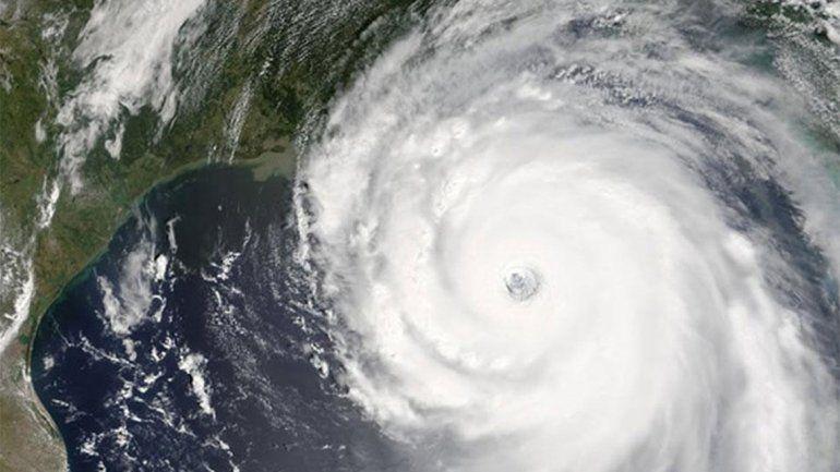 EE.UU. se prepara para llegada de Matthew, que dejó 27 muertos en el Caribe