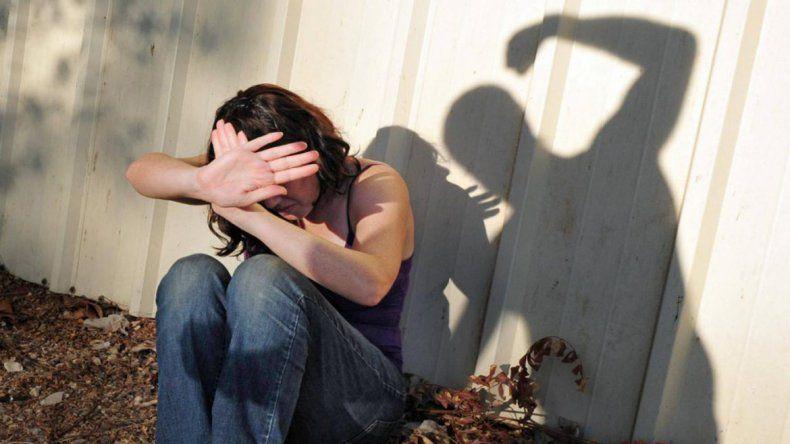 Ataques extremadamente violentos con golpes y armas blancas fueron parte de la pesadilla que sufrió la mujer.