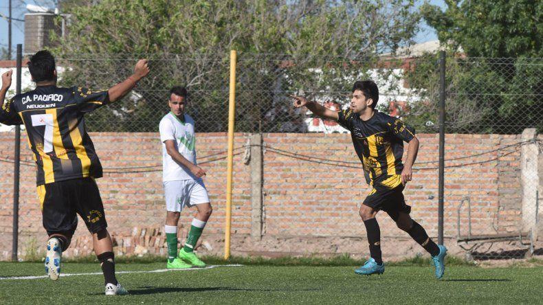 El Decano goleó a Unión Vecinal y lidera la zona 6 de la Copa Neuquén.