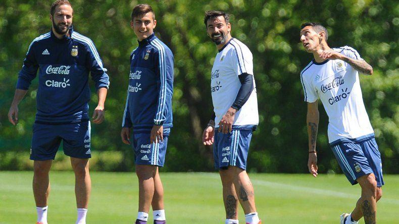 Bauza probó cinco cambios para buscar un triunfo ante Paraguay