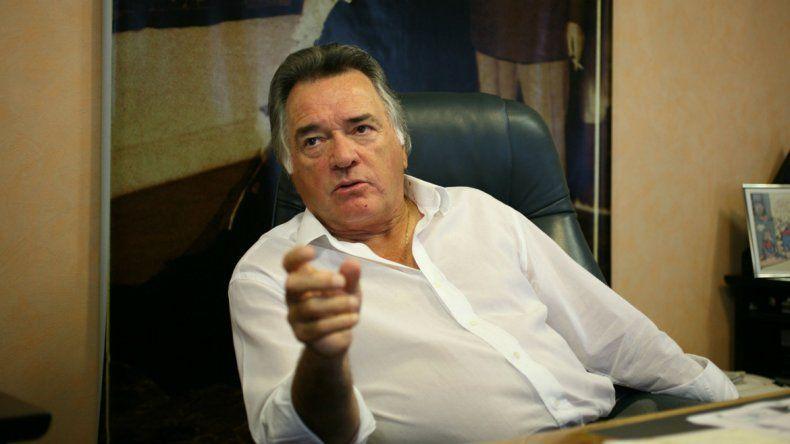 Barrionuevo justificó un bono general porque no todos están igual.