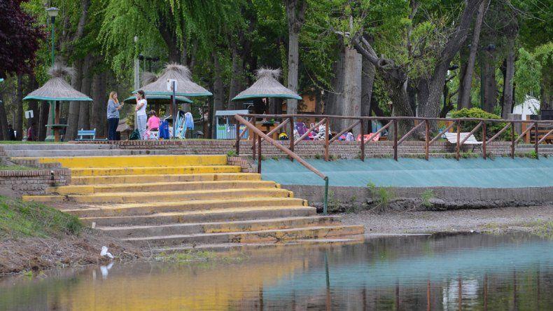 Las actividades al aire libre y el contacto con la naturaleza son las principales características de los clubes. Durante la primavera y el verano los visitan miles de personas.