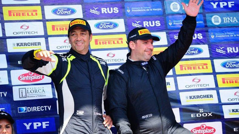 El piloto de Plaza Huincul sigue en los puestos de vanguardia de la máxima categoría del Rally Nacional.