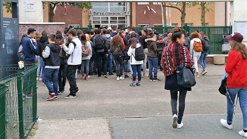 Los estudiantes protestan y las familias también