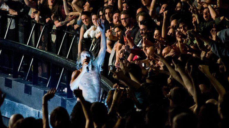 El padrino del punk ofreció un vibrante concierto en el Festival BUE.
