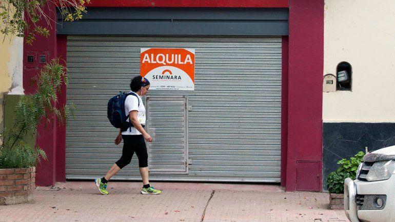 Las ciudades aledañas a Neuquén ya no son opciones para bajar costos. Una vivienda de dos dormitorios ronda los 10 mil pesos.