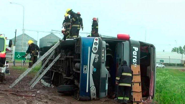 El accidente dejó al menos 40 heridos y a una joven le amputaron un brazo.