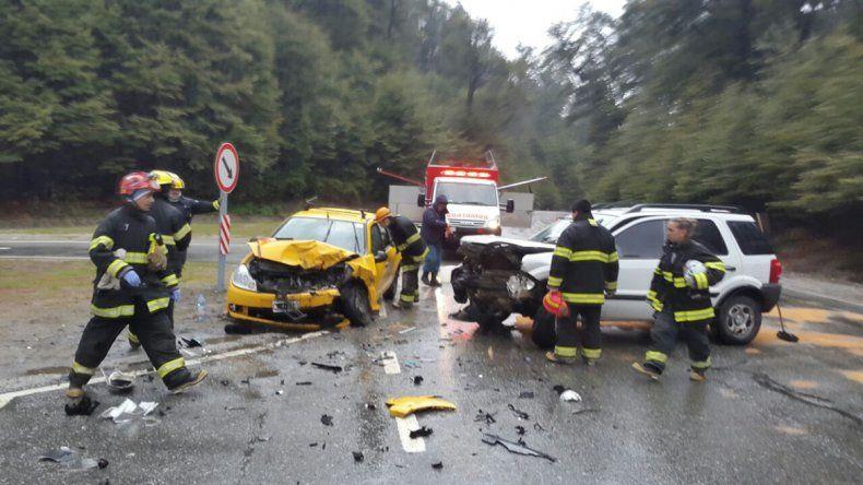 Seis heridos en un choque frontal en el cruce de las rutas 40 y 231